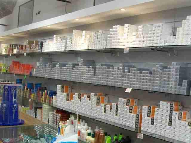 fornitore-parrucchieri-prodotti-per-estetista-ricostruzione-unghie_4